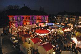 Weihnachtsmarkt Fischeln auf dem Marienplatz